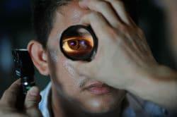 אופטומטריסט - בדיקת עיניים
